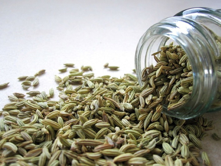 Fennel seeds help in treating PCOS. Read how.