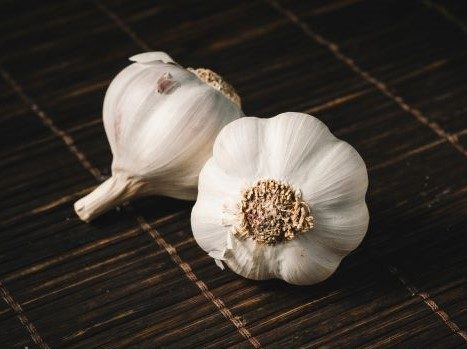 Garlic as a home remedy for minimising the risk of breast cancer